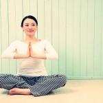 ヨガで大切なのは呼吸法と瞑想!アロマでリラックスしよう