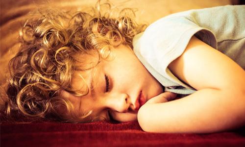安眠まくらが気になる!良質な睡眠を得る為に枕から見直そう!
