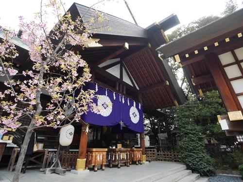 東京縁結び神社で手に入れたいお守りとは?全部巡って恋愛成就を目指そう