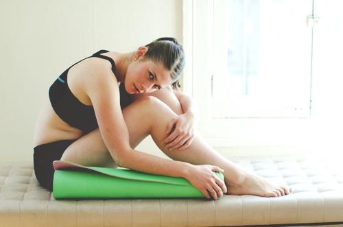 ヨガで筋肉痛になったら休むべきか続けるべきか…意外な解消方法とは?
