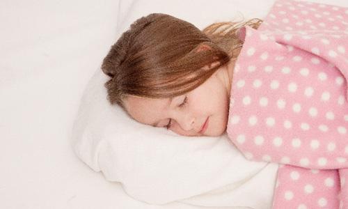 寝不足で太るって本当?肌に悪い?寝不足で損すること