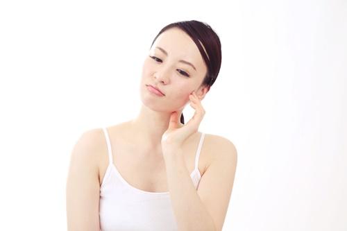 化粧品が合わないってどんな症状が出るの?対処法も知りたい!