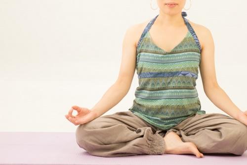 ヨガは自律神経を整える効果あり!意識すべきポイントとは?