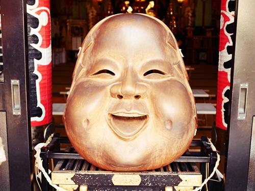 鷲神社の「なでおかめ」にご利益をもらおう!11月の酉の市も見逃せない